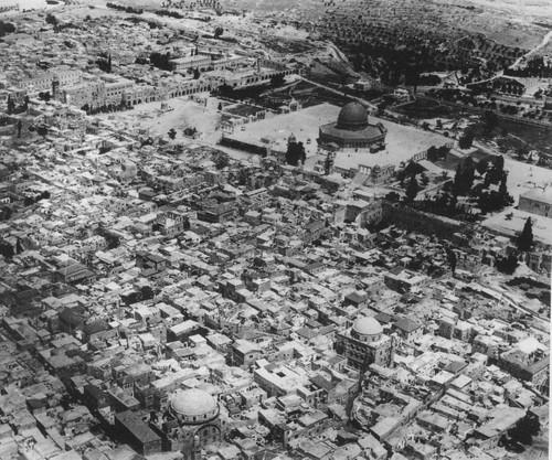 http://kisahmuslim.com/wp-content/uploads/2013/12/Jerusalem-old-city.jpg